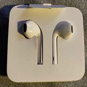 Apple Head Phones new